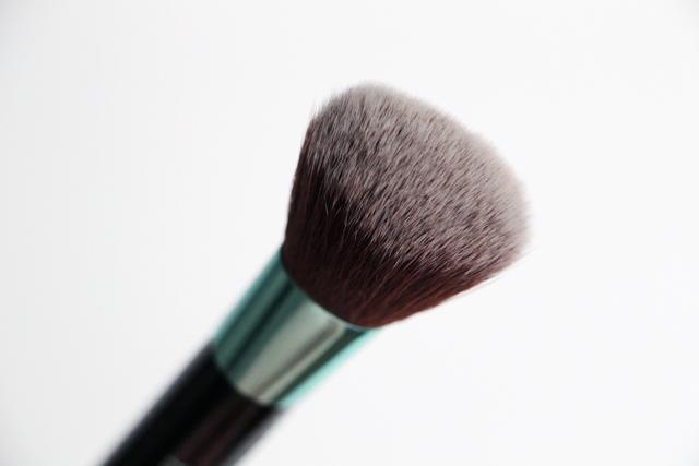 neve cosmetics aqua kit 11