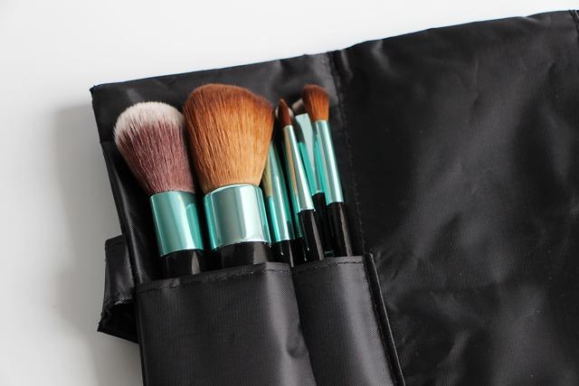neve cosmetics aqua kit 13