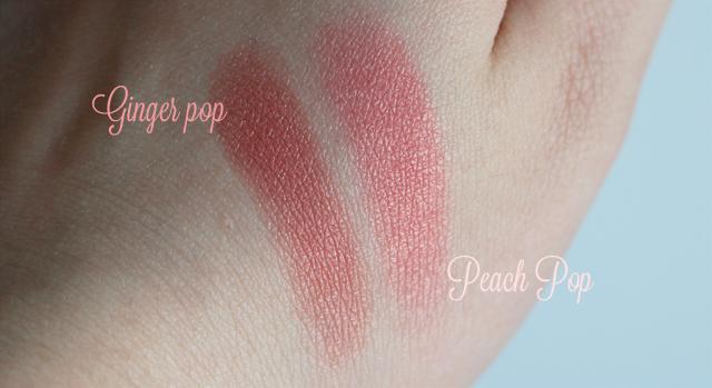 Lapparition des taches de pigment sur la peau de mains et la personne