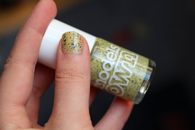 modelsown egg jaune