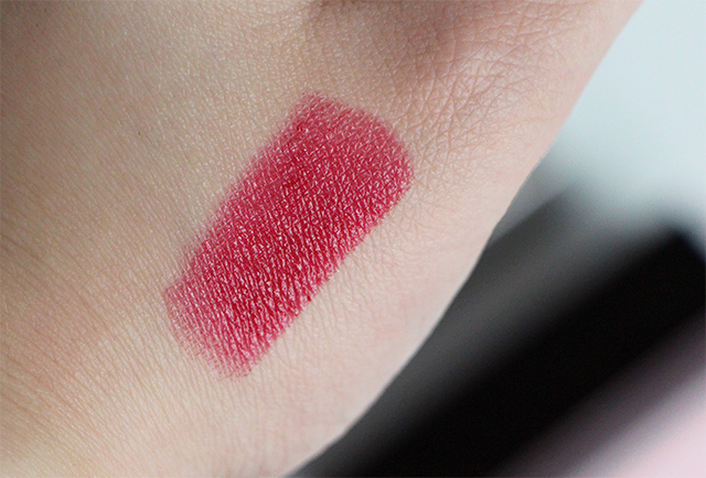 laura mercier swatch plumberry