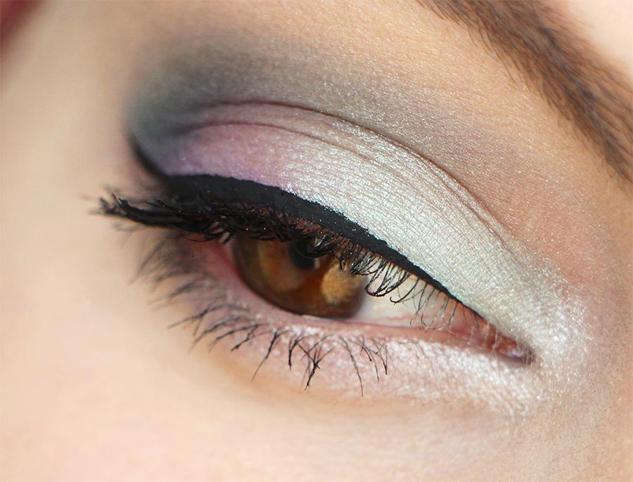 the balm eye U