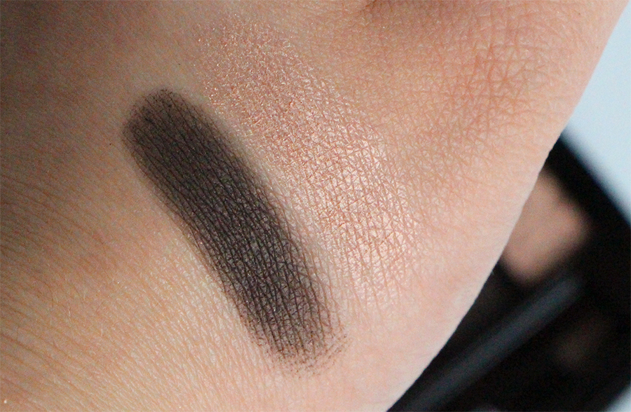 chanel swatch fards