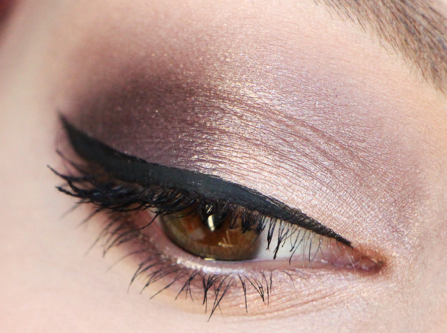 laura mercier makeup daring by day
