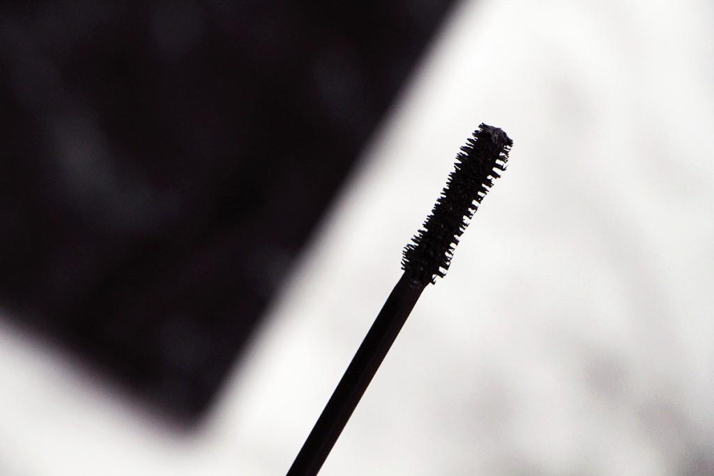 marc jacobs brosse velvet noir
