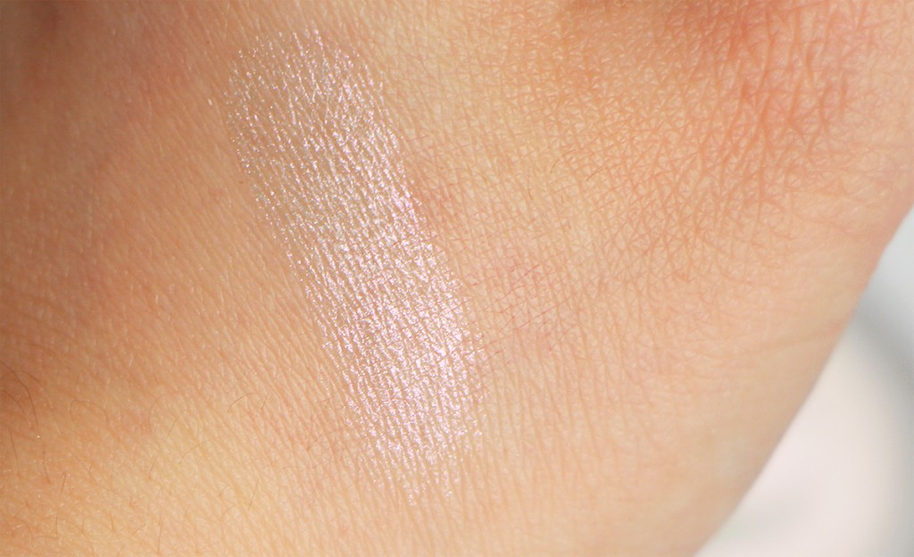 chanel swatch iridescent