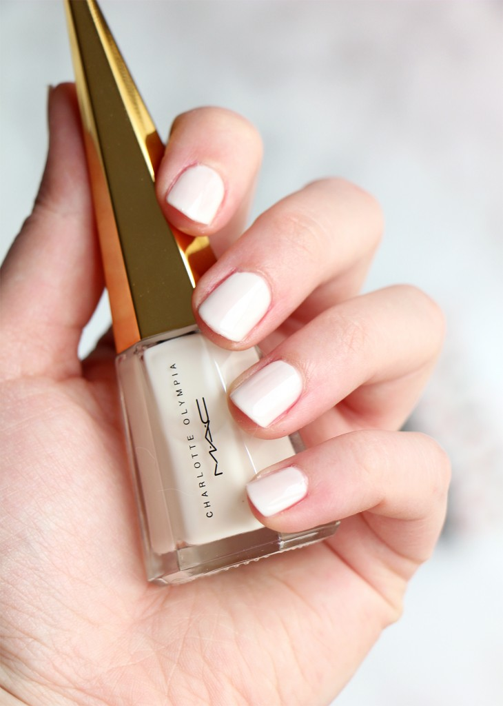 mac swatch vernis charlotte olympia