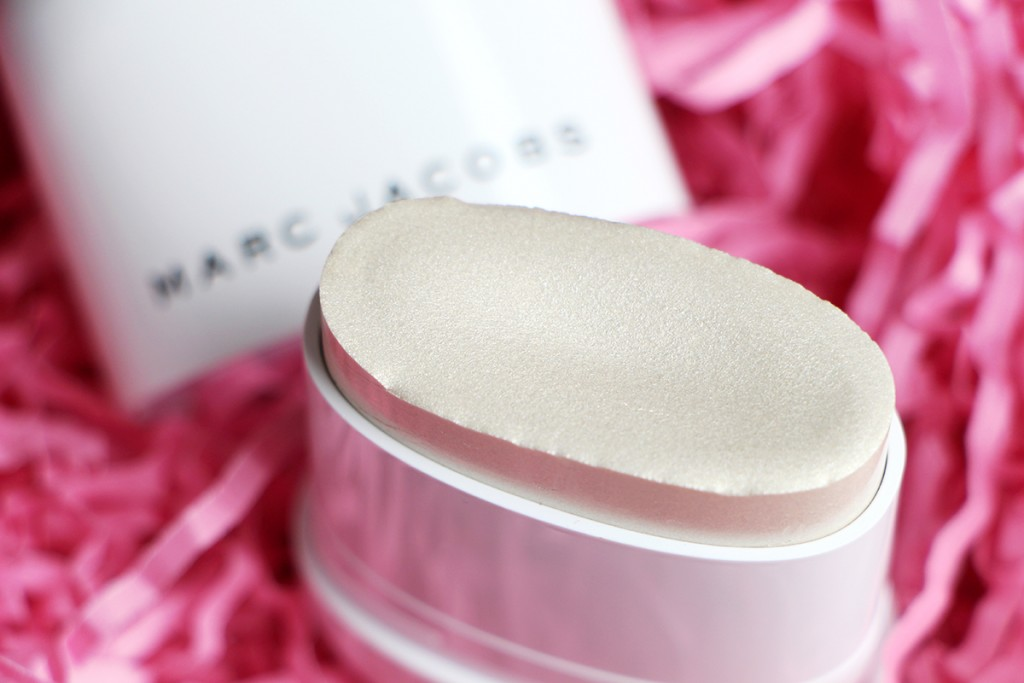 marc jacobs glow stick1
