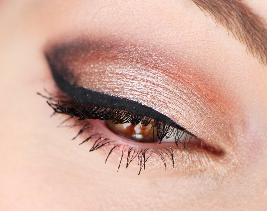 anastasia eyes 1