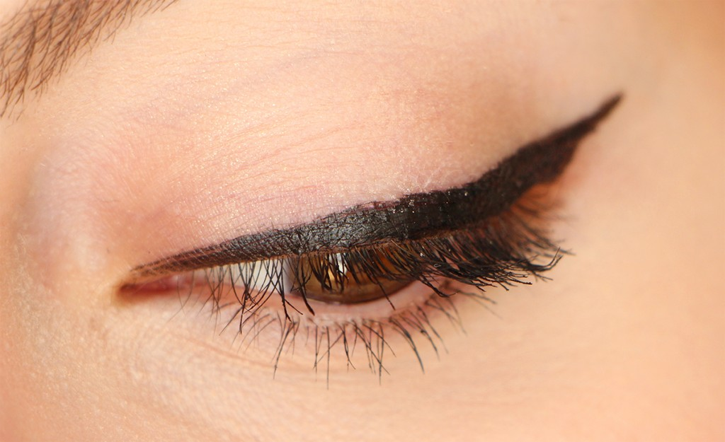 loreal black velvet super liner eye zoom flop