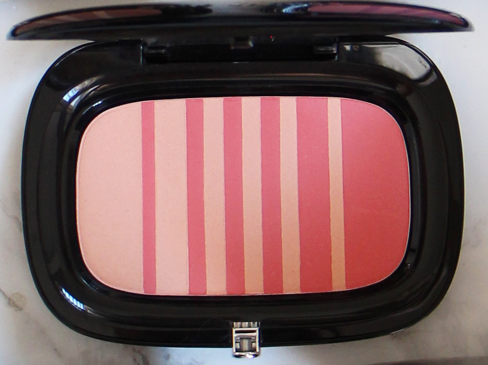 lines-last-night-air-blush-marc-jacobs