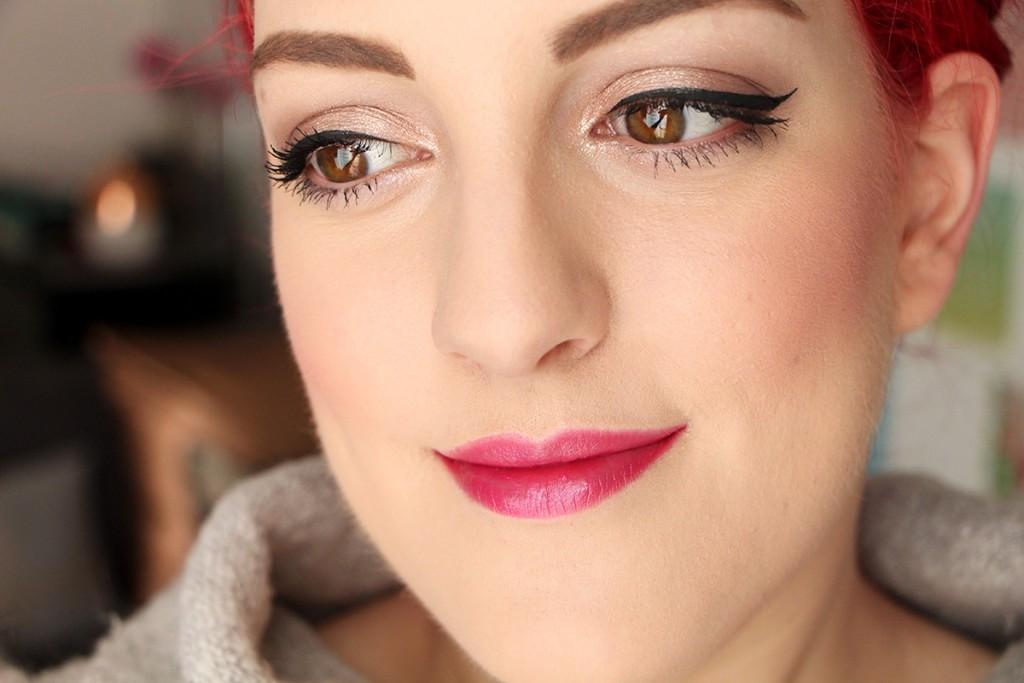 dior-miss-lipstick-face