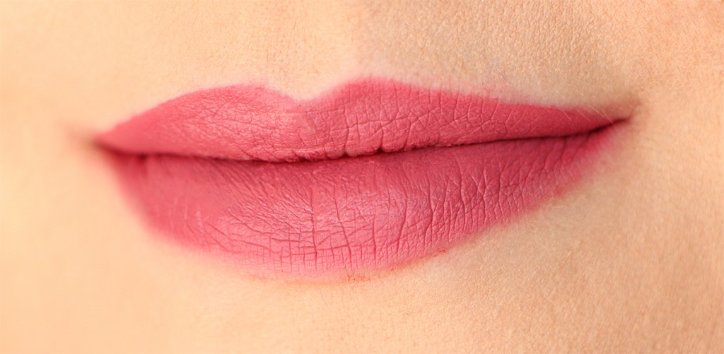 gossip-gurl-lips-huda-beauty