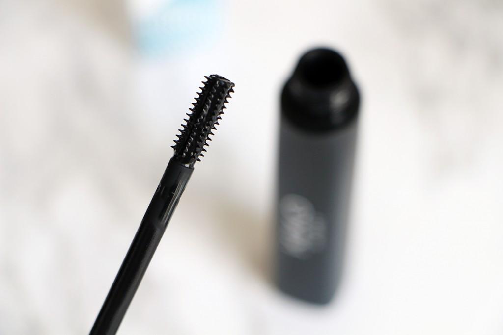 maxi-mod-mascara-kiko-neo-noir