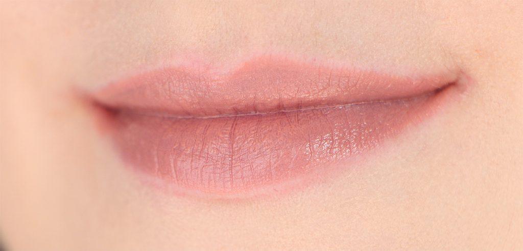 plush-lipstick-nyx-12-nude-beach-plage-nue