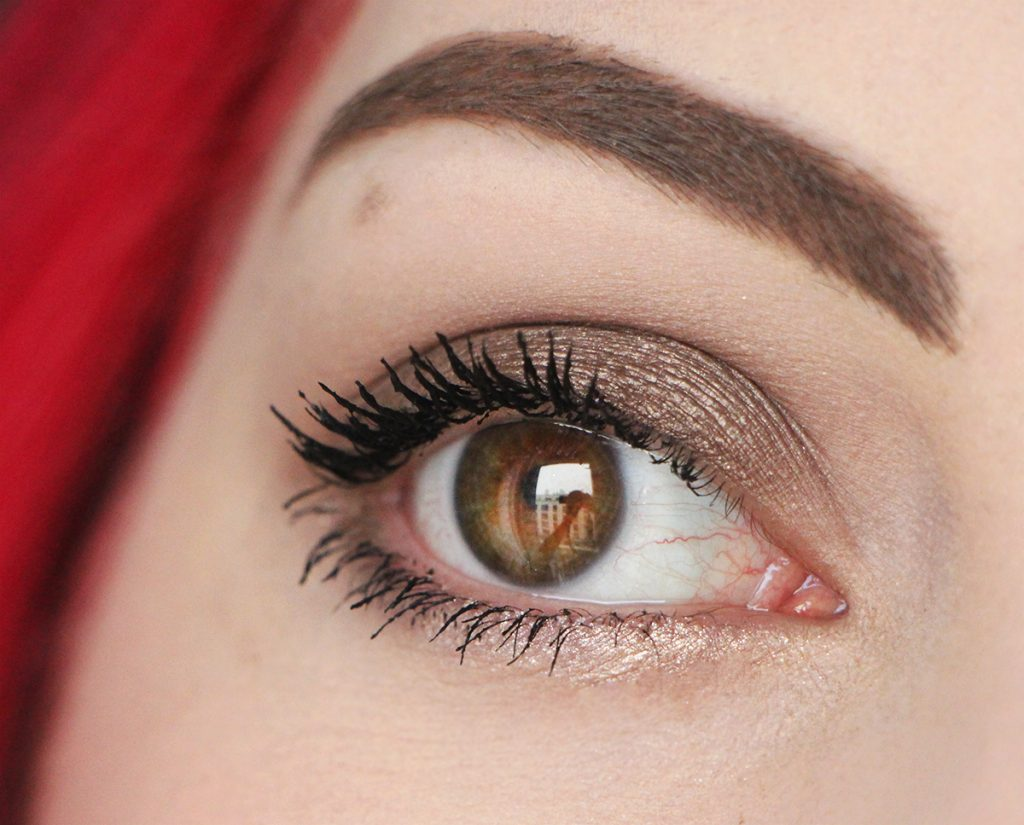 zoom-maybelline-mascara-cils-sensational-voluptious